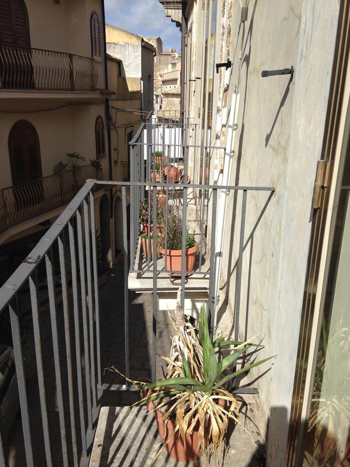 18 Balconi via Guastella